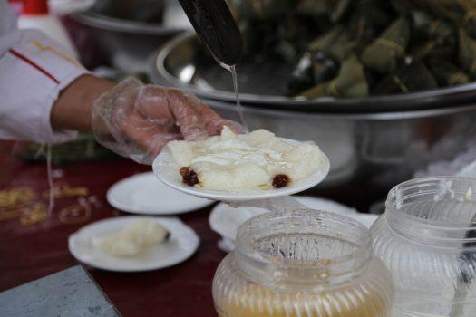Xinjiang cuisine Uighur cuisine Zongza glutinous rice with syrup