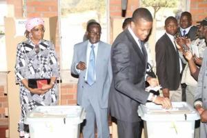 Robert Mugabe Jnr casts his vote