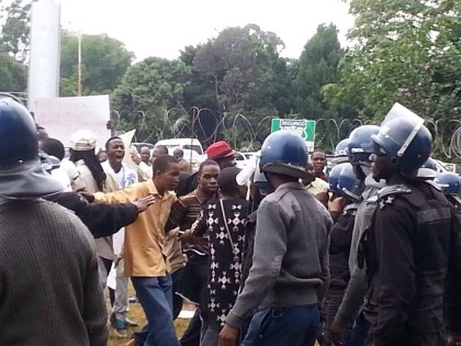 SA_Embassy_Harare_Xenophobia (4)