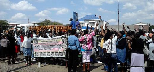 WOZA protestors outside the Human Rights Commission offices.