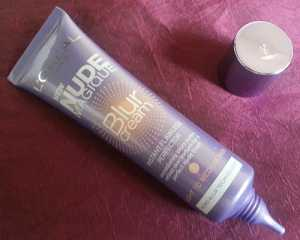 L'Oreal Nude Magique Blur Cream in light/medium