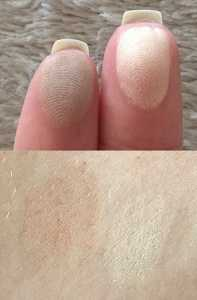 L'Oreal Infallible Pro Contour Palette in Light Swatch - (Left) Matte Contour Shade (Right) Highlight Shade