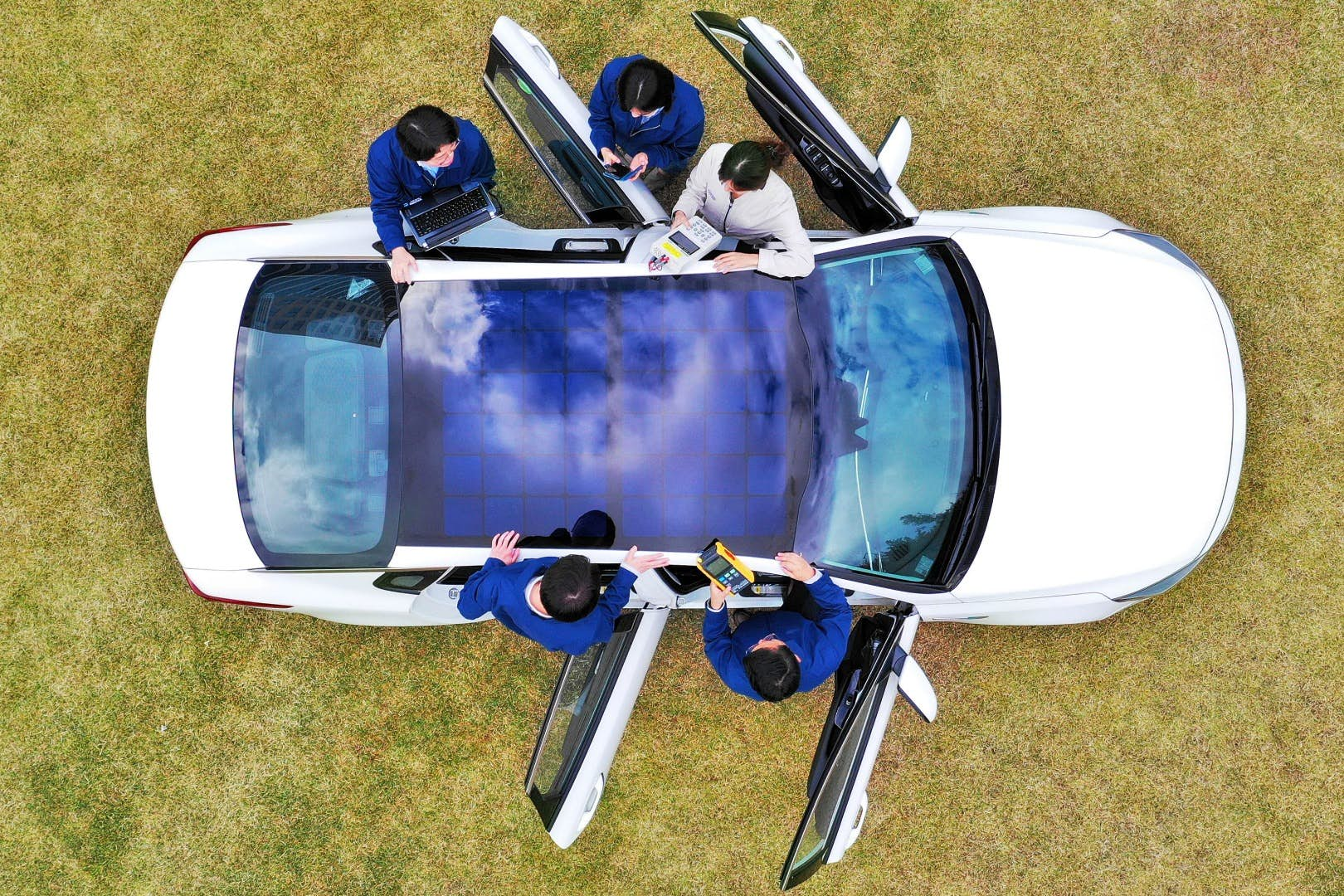 Hyundai Unveils The Worlds First Car With A Solar Power Panoramic Cars On Pinterest Powered And Its Integration Will Evolve Over Time To Include Semi Transparent Harvesting Sunroof Roof Hood Combo