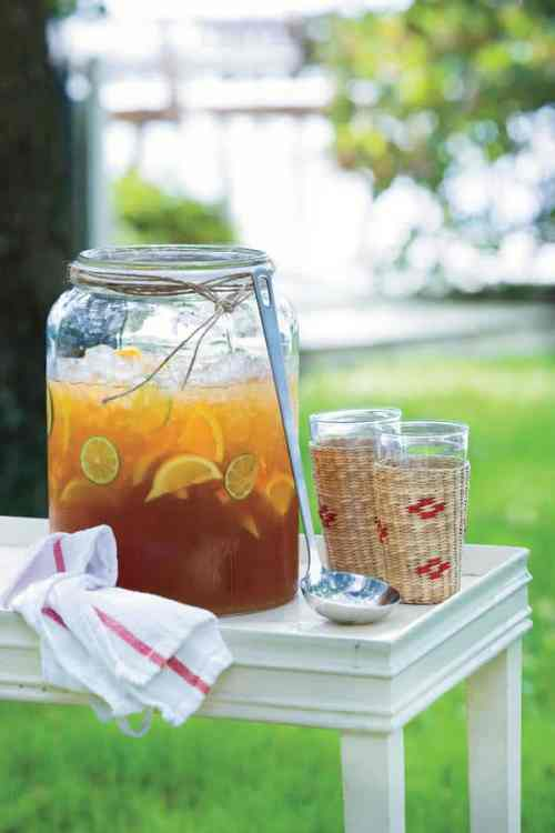 Making tea -- the Southern way: Simply Southern Sweet Iced Tea. 31Daily.com