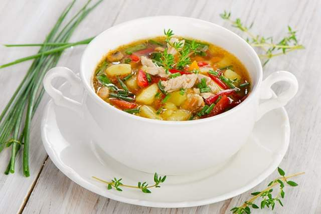 Quick and Healthy Easy Slow Cooker Minestrone Soup