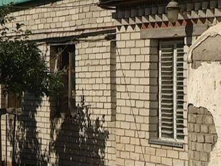Sota l'habitatge hi havia un laberint de zulos, on vivien 60 persones.