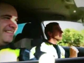 Els dos policies locals de Cerdanyola que fan el brètol.