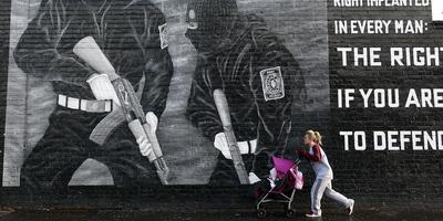 Mural paramilitar unionista a Belfast. (Foto: Reuters)