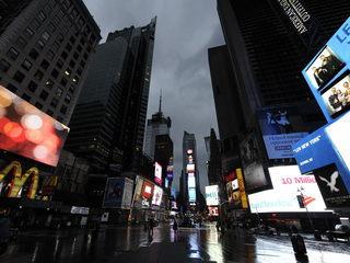 El tumultuós Times Square ha quedat pràcticament desert. (Foto: EFE)