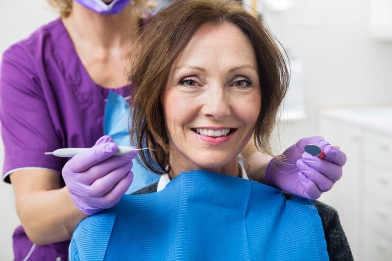 لانه گزینی یک روش پروتز عالی در غیاب یک دندان و چندین، تا عادل است.