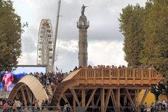 Pont Evento place des Quinconces