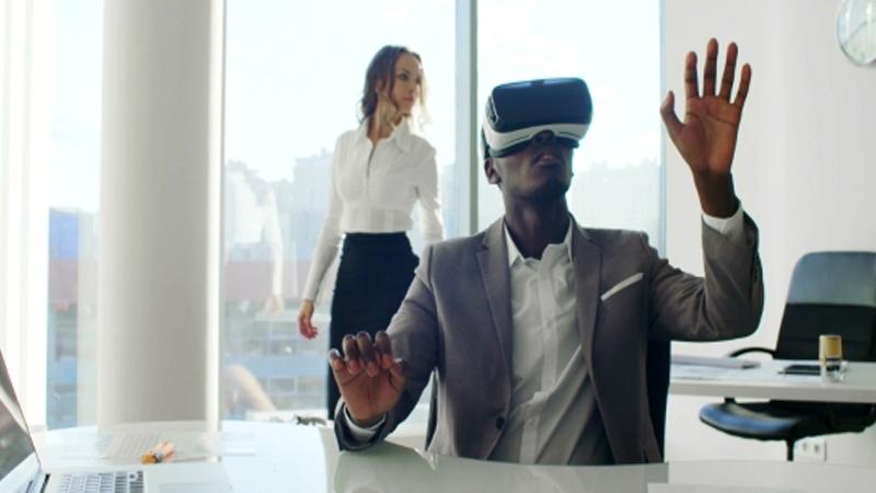 Marchez dans votre nouveau bureau AR/VR