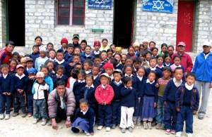 Thame-School-Apas-village-help-in-on-the-way-Medium