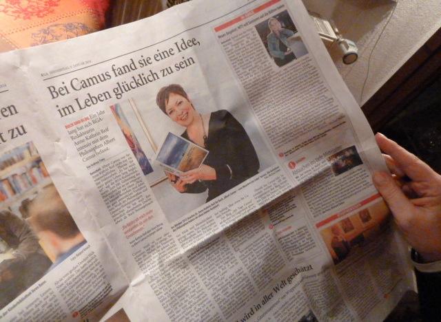 Selbstbegegnung beim Blick in die eigene Zeitung: Der RGA berichtete am 9. Januar über den Blog und mein Buch. ©Foto: privat