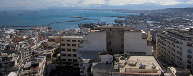 """Blick auf das Algier von heute. Das Foto ist nicht aus dem angekündigten Film sondern aus der """"Suite Camus"""". ©Foto: Andreas Arnold"""