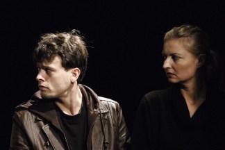 Frank Musekamp als Stepan, Doris Lehner als Dora. ©Foto: Oliver Paul