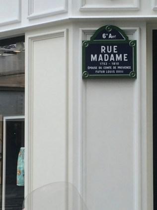 Rue Madame - in diese Straße zog Camus 1950 mit seiner Familie.