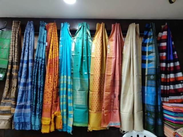 जाँजगीर, रायगढ़, बिलासपुर सहित कोरबा का कोसा श्रीलंका की राजधानी कोलंबो के बाजारों में उपलब्ध