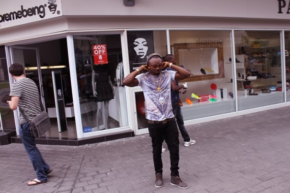Sean Tizzle BTS Photos 11