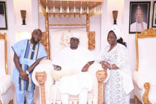 DMW boss, Davido visits Oniru of Iruland in his palace (Photos) 7