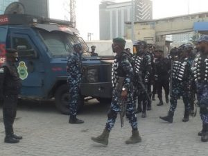 Heavily armed Police officers takeover Lekki tollgate ahead of a planned protest 4
