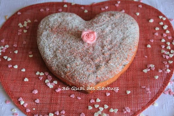 Gâteau aux biscuits roses de Reims et aux pralines roses