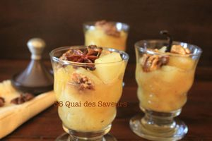 Compote de poires aux épices et noix caramélisées