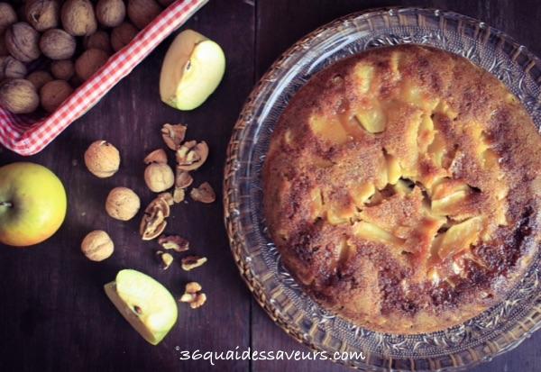 Gâteau aux pommes, aux noix et sucre muscovado