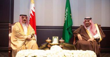 ملك البحرين يهنئ الملك سلمان بذكري توليه الحكم