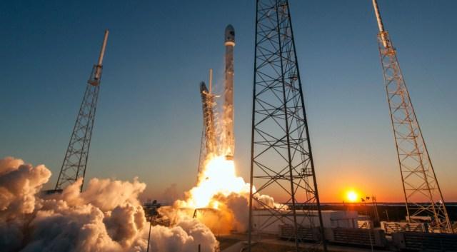 Falcon-9-DSCOVR-Launch-879x485.jpg