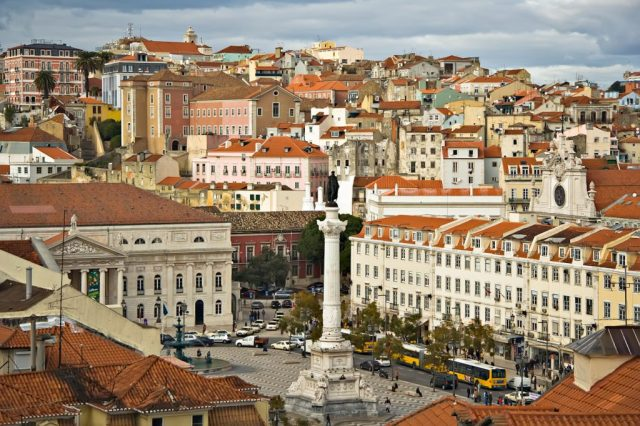 Lisbon_09882_Lisboa_Praça_don_Pedro_2006_Luca_Galuzzi-1024x682.jpg