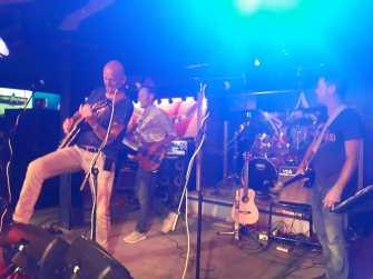 3nier.nl crazy jam band in actie 1