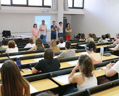 Aprobar las oposiciones docentes seguira sin contar en la lista de interinos
