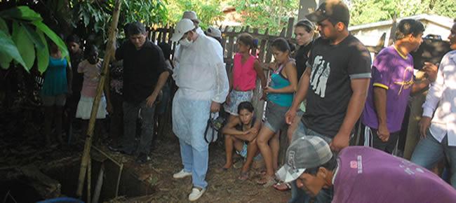 o proprietário da casa, o ancião Ernesto José da Silva (78),