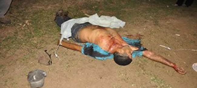 A equipe do SAMU socorreu Leandro, pois o corpo nas costas teria atingido o pulmão e ele corria risco de vida.