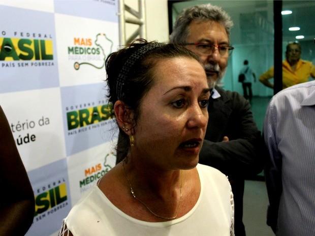 Adela Fernandez, médica cubana, pede companheirismo de colegas brasileiros (Foto: Marcos Dantas/G1 AM)