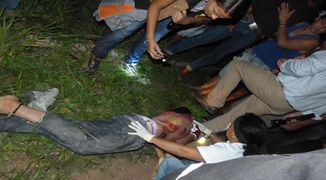 A vítima um adolescente de 14 anos, aluno da Escola Rural José Cesário de farias que foi atropelado e morto após descer do ônibus