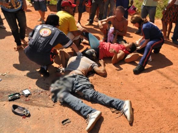 Motociclista morreu no local e passageira foi encaminhada ao Pronto Socorro/Foto: Selmo Melo/Agência ContilNet