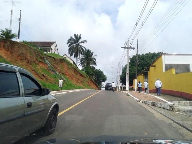 Ladeira localizada no Morro da Glória, em Cruzeiro do Sul (Foto: Francisco Rocha/G1)