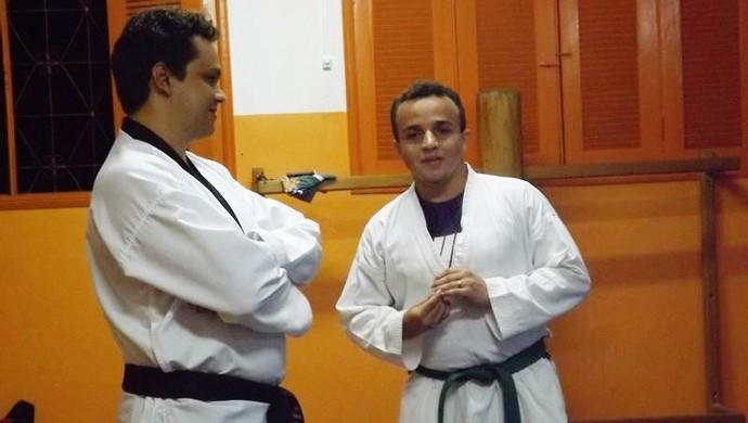 chelton_ao_lado_do_mestre_itassi_camargo