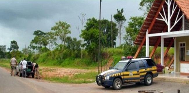 PRF Prende no entroncamento de Xapuri um quilo de cocaína em táxi
