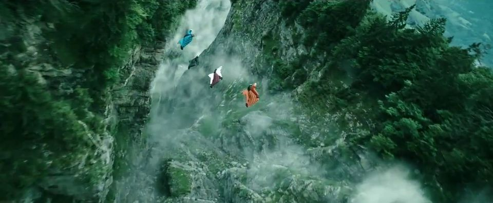 Point-Break-3D-Trailer-7