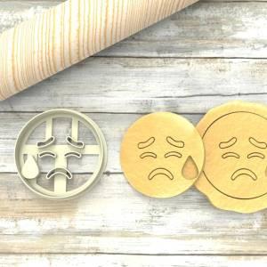 Faccina che piange a Formina taglierina per biscotti | Cry Emoji Cookie Cutter