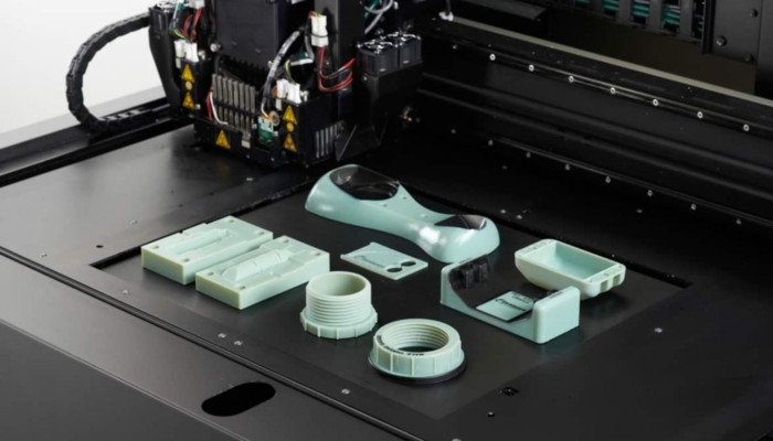 the material jetting 3d printing process in mid print