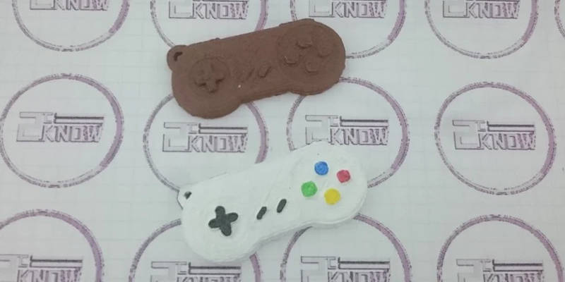 3D Printed Keychains SNES Controllers