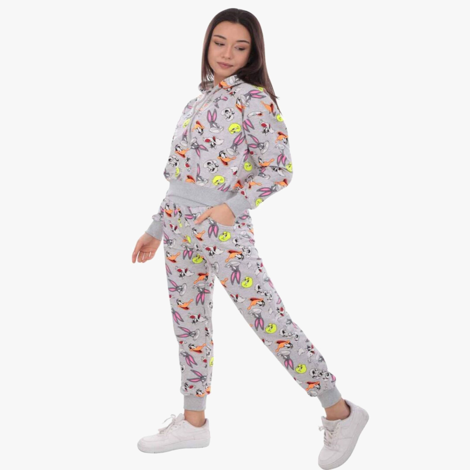 It is hooded. made of combed cotton fabric. printed Cartoon Character on gey fabric The waist and cuffs of the sweatpants are elastic. 2 side pockets. The sweatpants have an elastic waist.