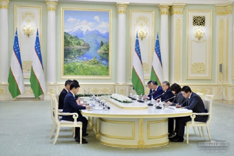 Uzbekistan Government to Raise Mobile Number Fee Issue