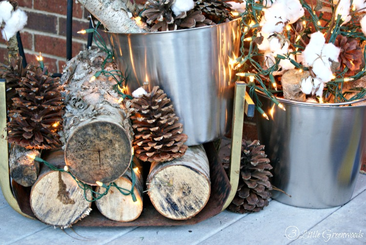 Front Porch Ideas for Winter by 3 Little Greenwoods   3 Little     Don t give up the lights of holidays yet  Decorate with these Front Porch