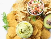 easy summer gathering chip n dip platter