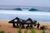 2017-volcom-pipe-pro-day-3-pipeline-hawaii-photo-by-brian-bielmann-03